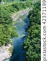 在夏天的口氣河 42371199