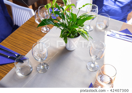 White dining table setting 42407300