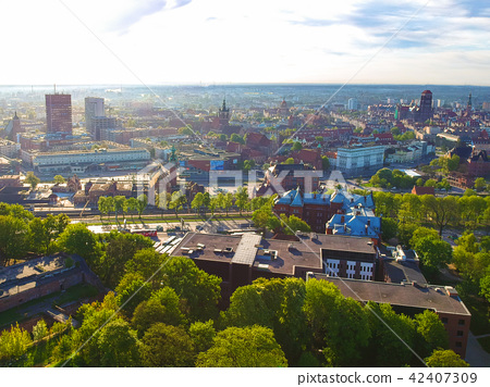 Aerial view of the oldtown in Gdansk, Poland 42407309