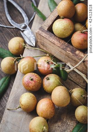 Fresh longan fruits 42412818