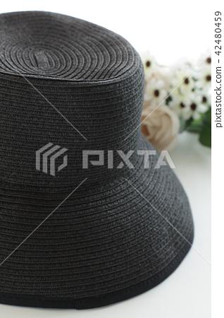 Summer black straw hat 42480459