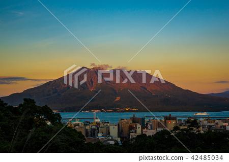 染紅在日落的紅色Sakurajima 42485034