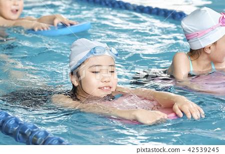 游泳兒童游泳 42539245