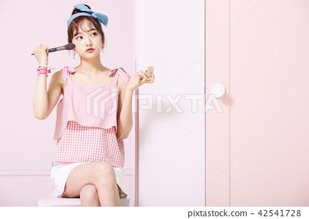 ภาพความงามของเยาวชนหญิง 42541728