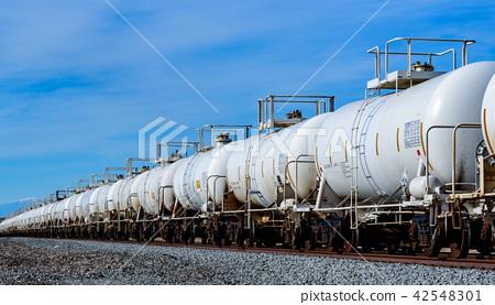 橫跨美洲的長途貨運列車的集裝箱 42548301