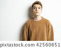 男性外國人肖像面部表情 42560651