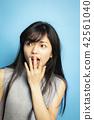 女性肖像面部表情 42561040