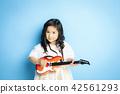 女孩肖像吉他 42561293