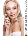 makeup, natural, female 42577005