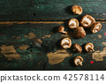 Shiitake mushrooms on old vintage table 42578114