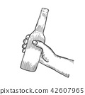 male hand holding and clinking open beer bottles 42607965