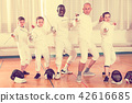instructor, exercising, gloves 42616685