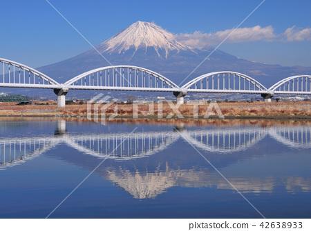 水管橋和倒置富士6030 42638933