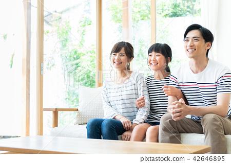 年輕的家庭 42646895
