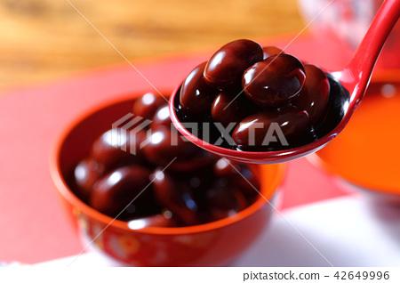 炖黑豆葡萄 42649996