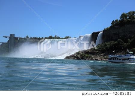 Niagara Falls 42685283