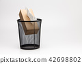 Tissue box and Metal trash bin  42698802