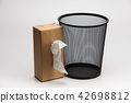 Tissue box and Metal trash bin  42698812