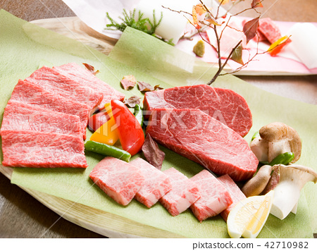 Extreme marbling A5 Wagyu beef of Wagyu Beef 42710982