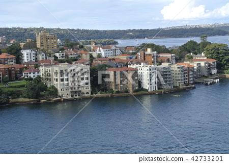 Australian cityscape 42733201
