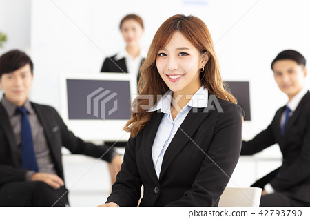 successful young business team in office 42793790