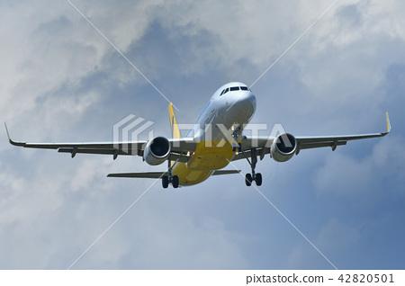 A landing-based aircraft 42820501