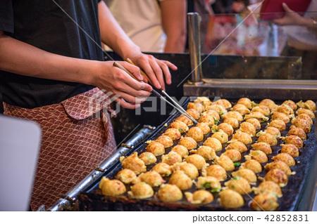 Osaka, Japan Okonomiyaki 42852831