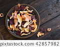 Vegetable dehydrated chips 42857982