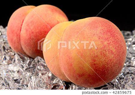 White peach 42859675