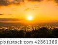 """""""富山县""""富山·砺波平原的壮丽景色,散落的村庄的夜景 42861389"""