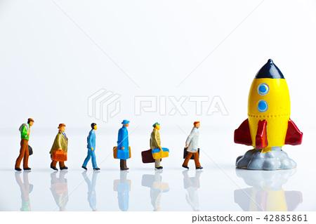 微型人和火箭 42885861