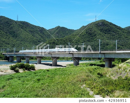 Sanyo Shinkansen crossing the Chigawa River bridge 42936951