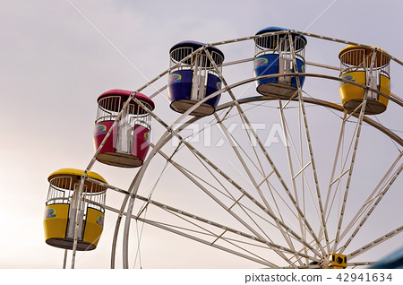 Empty Ferris Wheel At A Country Show 42941634