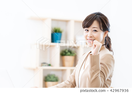 企業形象女性僱員指導指南OL銷售禮賓辦公室女士 42967936