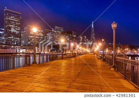San Francisco downtown skyline 42981301