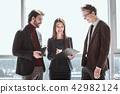 business, businessman, businesspeople 42982124