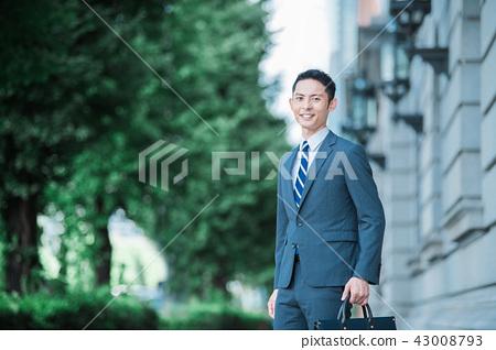 비즈니스 야외 젊은 남성 43008793