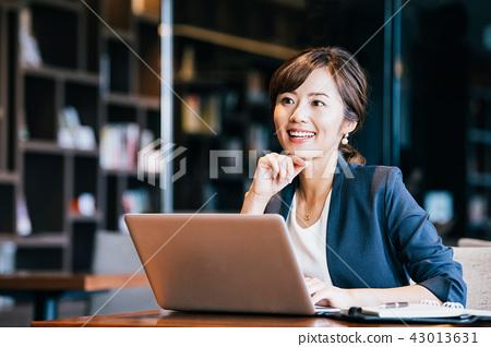 비즈니스 여성 젊은 43013631