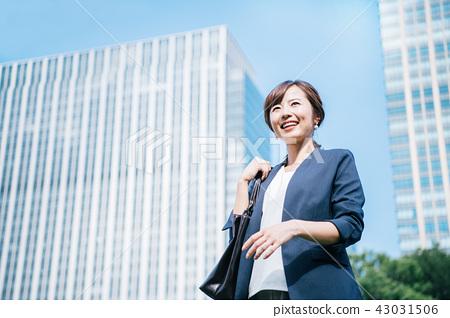 夾克式女性建築 43031506