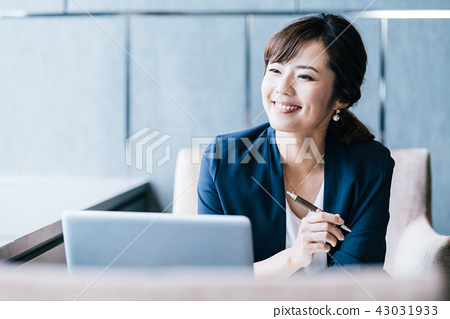 业务场景女性 43031933