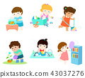 Kids do housework vector set. 43037276