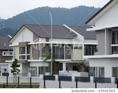 Double story luxury terrace house in Malaysia. 43042564