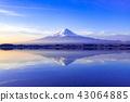 黎明时分在山梨县河口湖町的富士山 43064885