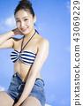 泳裝女性肖像 43069229