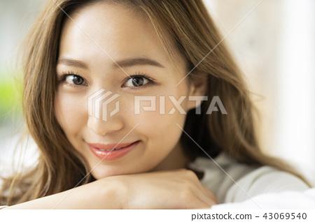 放松生活方式女性形象 43069540