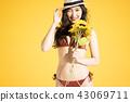 泳装女性肖像 43069711