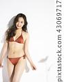 泳裝女性肖像 43069717