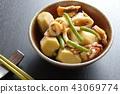 오징어와 토란 조림 일식 가정 요리 43069774
