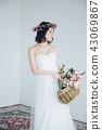 ウェディングドレスの女性 ブライダルイメージ   43069867