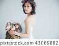 ウェディングドレスの女性 ブライダルイメージ   43069882